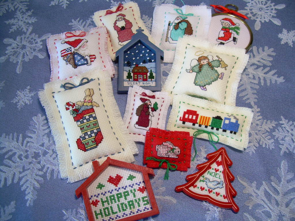 Embroidered christmas ornaments - Part 2 Embroidered Felt