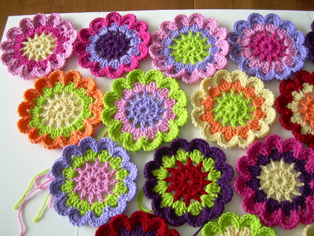 Crocheting A Flower : Crocheting Flowers